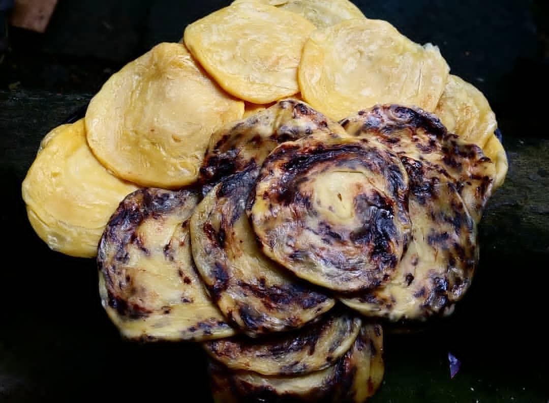 roti maryam di stasiun